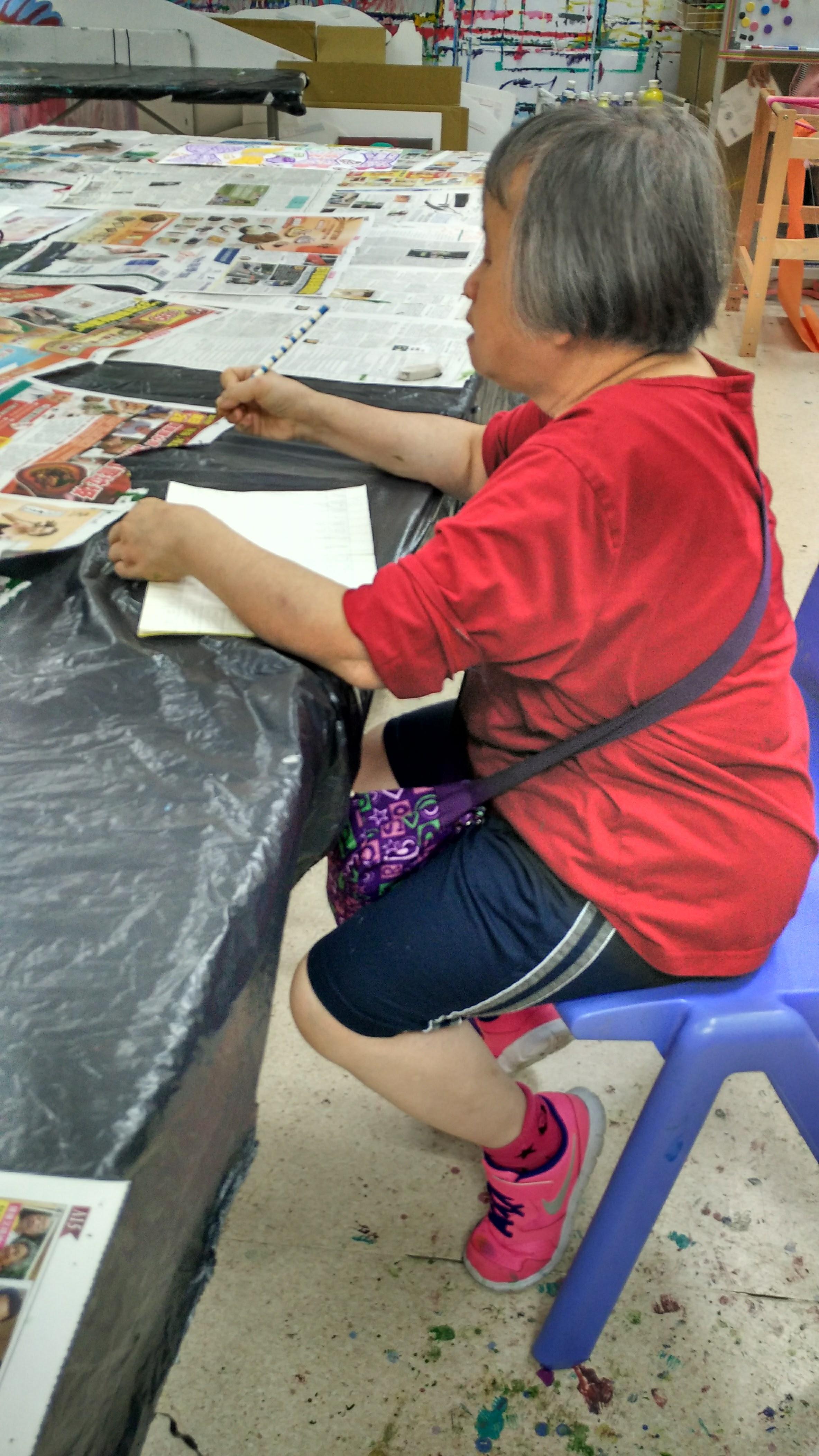 Artist of i-dArt at work